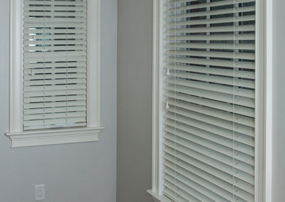 Blinds-on-different-size-windows