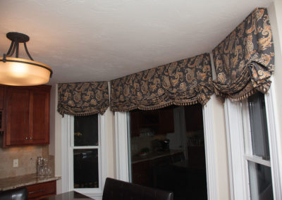 Bay-Window-London-valances